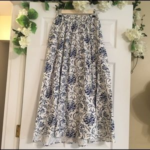 🎉Sale🎉 Maxi Floral Skirt w/ Pockets
